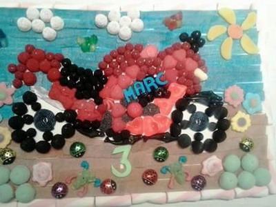 Wow las mejores tartas de chuches personalizadas y originales for Decoracion navidena con chuches