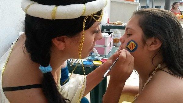 Taller de pintacaras en la fiesta de princesas