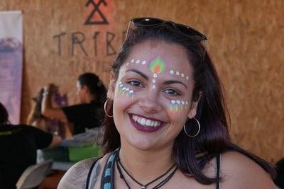 maquillaje fantasia mujer india