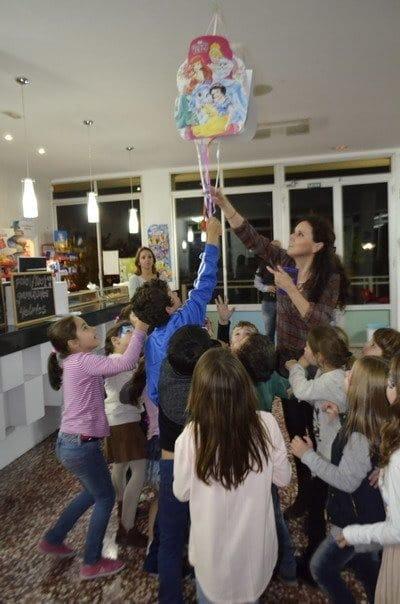Wow qu fiesta con pi atas infantiles - Pinatas para cumpleanos infantiles ...