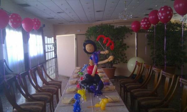 Wow decoracion con globos en salones y jardines - Decoracion columnas salon ...