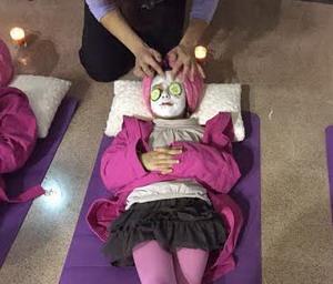 taller de belleza y spa para niñas en cumpleaños y comuniones