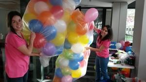 decoraciones con globos con animadores para fiestas infantiles