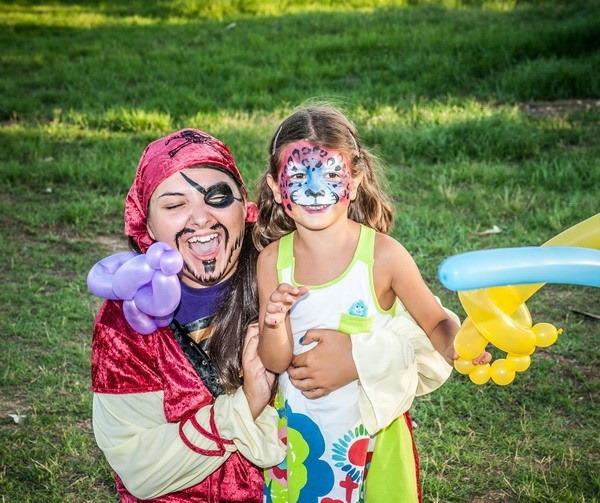 disfraces de piratas en un cumple infantil
