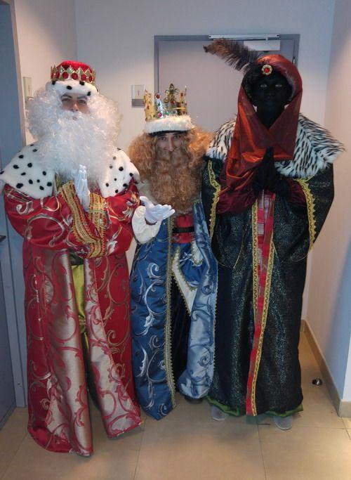 la visita de los reyes siempre hece la delicia de los niños en navidad