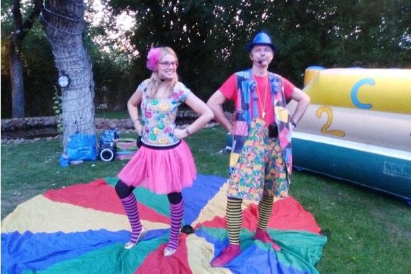 lugares para celebrar cumpleaños infantiles y bailar y cantar con las canciones de superanimaciones